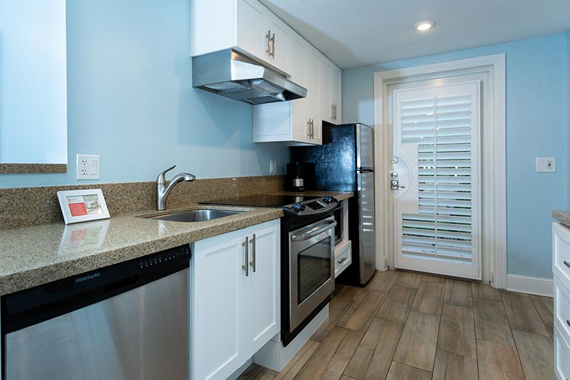 Accessible One Bedroom Suite full-size Kitchen.