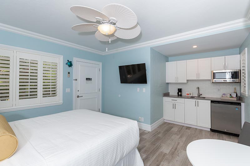 Studio Room with Queen Bed and Kitchenette.